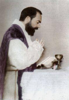 letters of padre pio | Padre Pio celebrating Mass alone.