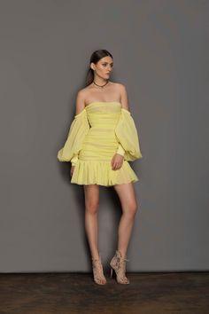 Silk Midi Dress, Sheer Dress, Strapless Dress, Classy Dress, Classy Outfits, Just Over The Top, Fashion Bella, Mini Dress Formal, Resort Dresses