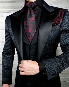 I can totally see it. Darkiplier wearing this beautifully gothic fit. Black And Red Suit, Black Velvet Suit, Black Suit Men, Black Tie, Mens Fashion Suits, Fashion Outfits, Dress Suits For Men, Suit For Men, Kleidung Design