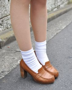 An idea on how to pair my red Lowrys' Farm platform heels. 写真:室賀雅さん ヒールローファー LOWRYS FARM(ローリーズファーム)