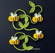 """Képtalálat a következőre: """"crochet bee applique"""" Appliques Au Crochet, Crochet Applique Patterns Free, Crochet Bookmark Pattern, Crochet Bookmarks, Crochet Books, Love Crochet, Crochet Gifts, Crochet Motif, Crochet Designs"""