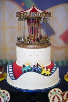 A Caraminholando montou um parque de diversões para comemorar o aniversário da Manuela! Vem ver os detalhes da decoração da festa.