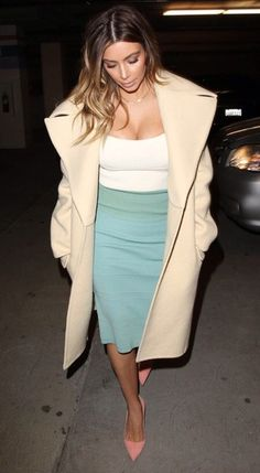 Kim Kardashian in an over sized #cardigan