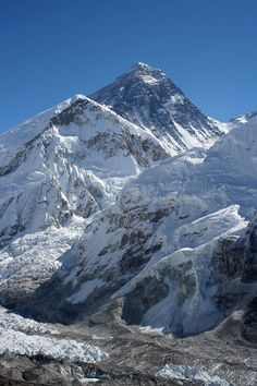 Everest as seen from the summit of Kala Patthar Monte Everest, Mountain Range, Mountain View, Top Of Mount Everest, Mountain Images, Roman Britain, Himalaya, Snowy Mountains, Mountain Landscape