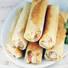 Chubby Chicken and Cream Cheese Taquitos- these look soooo yummy I Love Food, Good Food, Yummy Food, Mexican Dishes, Mexican Food Recipes, Tortilla Recipes, Appetizer Recipes, Appetizers, Dinner Recipes
