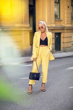 – Designer Fashion Tips Classy Outfits For Women, Suits For Women, Clothes For Women, Spring Summer Fashion, Spring Outfits, Fashion Week, Fashion Outfits, Ladies Fashion, Outfit Trends