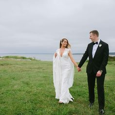 Oceancliff Wedding. Newport RI Wedding Venue. Kleinfeld Dress. Cathedral Length Veil.