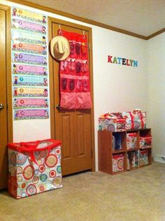Girls room organized in citrus medalion