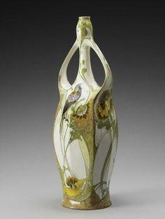 Vase, manufactured by Rozenburg Den Haag, by H.G.A Huyvenaar 1903, eggshell porcelain at the MFAH
