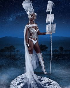 Take a look at these inspiring costumes by Melissa Simon-Hartman, award winning artist who works with carnival, cosplay and couture. Character Inspiration, Character Art, African Goddess, Gal Gadot Wonder Woman, Female Protagonist, Orisha, African American Art, Gods And Goddesses, Fantasy Artwork