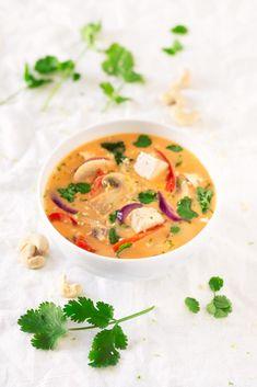 Supă Thai vegetariană - ForFresh Vegan Keto Recipes, Vegan Soups, Vegan Blogs, Thai Recipes, Soup Recipes, Healthy Recipes, Vegan Food, Fall Recipes, Vegetarian Recipes
