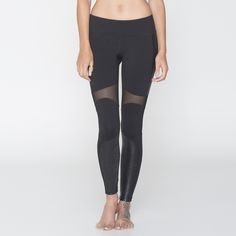 Full-length tight with sleek snake print panels and compressive sheer open hole mesh inserts. Contrast powernet leg opening cuffs, and smooth, chafe-free seams. Hidden waist pocket. Moisture wicking/quick dry fabric. Part of the exclusive SPLITS59 NOIR DE SPORT COLLECTION with signature :59 silicone logo.  BEST FOR: running, yoga, crossfit, barre, pilates, spin class or a hard core workout at the gym or wearing them as versatile leggings for a day out running errands (or even a night at…
