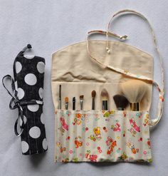 Make-Up Brush Roll / Organizer - PDF Sewing Pattern & Tutorial