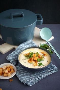 Allgäuer Käsesuppe mit Kräutern Allgäu cheese soup with herbs, a popular recipe with image from the Easy Smoothie Recipes, Healthy Smoothies, Soup Recipes, Healthy Recipes, Yummy Food, Tasty, Warm Food, Cheese Soup, Healthy Soup