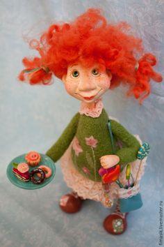 Купить Пироженка - домовушка, Рыжая, рыжая девочка, оранжевое настроение, теплый подарок, сладкоежка, смешная