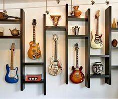 New music decorations room sound proofing 42 Ideas Home Music Rooms, Music Bedroom, Music Studio Room, Guitar Wall, Guitar Room, Home Design Decor, Modern House Design, Guitar Storage, Guitar Display