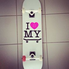 This skateboard design is definitely made for the female skaters. I would never imagine a male skater getting a board with a pink heart and saying he loves his skateboard. However, I think as a girl's board it works well. The design is very simple and is centered on the board, the only way these kind of designs work. I like the simple white background to keep the whole thing very simplistic.