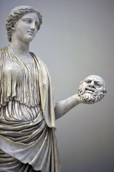 Ancient Roman sculpture of Thalia, The Muse of Theatre. Marble, currently located at the Naples National Archaeological Museum.