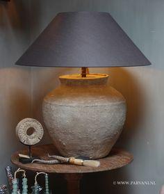 Parvani | kruiklamp-oude-waterkruik-waterpot