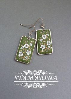 http://3.bp.blogspot.com/-vEACkN9iH1Q/UmpGMYeg0QI/AAAAAAAAAdI/-xOKHsM2veg/s1600/green+earrings.jpg
