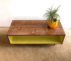 This handcrafted Mid Century Modern styled coffee table is made from spruce and finished with homemade stain in Caramel and Apple Green. This - Coffee Table DIY Walnut Coffee Table, Coffee Table Design, Modern Coffee Tables, Furniture Projects, Home Furniture, Furniture Design, Handmade Furniture, Painted Furniture, Coffee Table Furniture