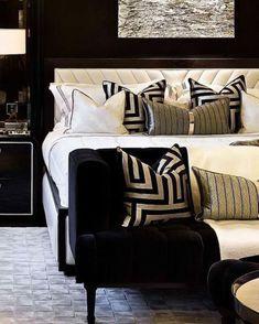 Black Gold Bedroom, Gold Bedroom Decor, Master Bedroom Interior, Home Bedroom, Living Room Decor, Bedroom Ideas, Master Bedrooms, Bedroom Designs, Bedroom Furniture