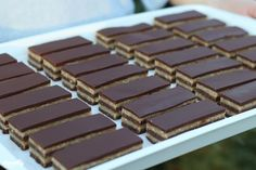 Diós bajadéra   Nosalty Candy, Chocolate, Free, Dios, Chocolates, Sweets, Candy Bars, Brown