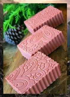 Sabonete efeito renda - argila, rosa mosqueta e leite de arroz