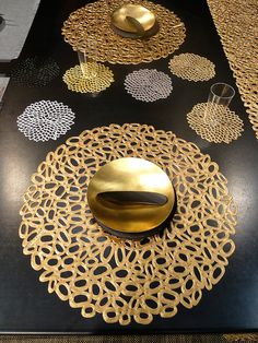 "CHILEWICH PEBBLE PLACEMATS | DAHLIA COASTERS | SEEN AT NY NOW TRADE SHOW | ""THE MIDAS TOUCH AT NY NOW MARKET"" 