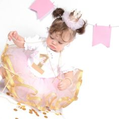 Pink and gold first birthday outfit girls Gold First Birthday Outfit, Pink And Gold, First Birthdays, All Things, Girl Outfits, Princess, Pretty, Girls, Handmade