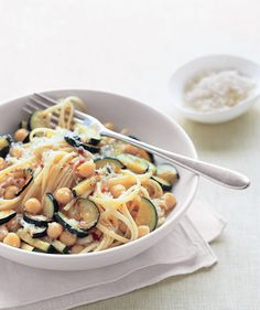 Linguine With Zucchini and Chickpeas