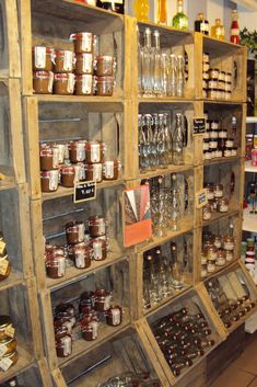 Acquamarine home: mayo 2010 Zero Waste Grocery Store, Tante Emma Laden, Deli Shop, Farmers Market Display, Shop Shelving, Bakery Store, Eco Store, Supermarket Design, My Coffee Shop