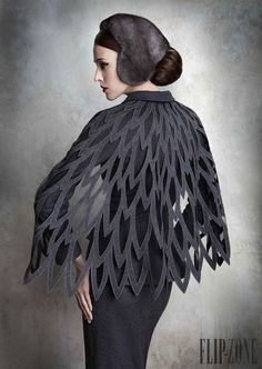 Yulia Yanina Couture Wings & Feathers Style Shawl Fantasy Fashion This, but over a black base. Fashion Details, Look Fashion, Fashion Art, High Fashion, Fashion Show, Womens Fashion, Fashion Design, Dress Fashion, Fashion Clothes