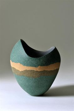 Kerry Hastings Ceramics - Sculptural Vessels