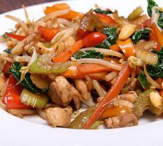 Comenzamos la semana con una receta muy sana que puedes preparar fácilmente y en pocos minutos. Solo necesitas... ¡Un wok! ¿Te animas?