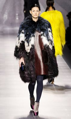 chocolate brown #fur from Fendi, http://fashionetc.com/fashion/trends/4954-best-fur-looks-fall-2012