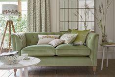 https://i.pinimg.com/236x/e6/2b/71/e62b71fc60df1a5311db631d0ca89bd2--couch-laura-ashley.jpg