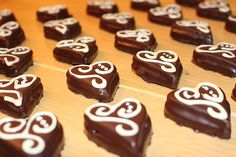 Sacher Hearts a tasty recipe from the Cookies & Cookies category. Ratings: Average: Ø The post Sacher heart of Sivi Ideas Desayunos, San Valentin Ideas, Easy Easter Desserts, Easter Recipes, Sacher, Holiday Cookie Recipes, Holiday Cookies, Tasty Recipe, Recipes Dinner