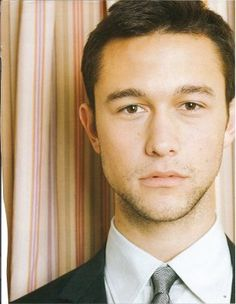 Joseph Gordon Levitt. I do not have 10 things that I hate about you, but I am pretty darn sure that I can come up with 10 things that I LOVE about you!