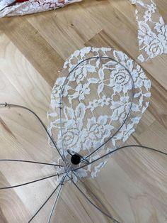 Paper Flowers Diy, Handmade Flowers, Flower Crafts, Fabric Flowers, Metal Flowers, Lace Flowers, Dollar Tree Decor, Dollar Tree Crafts, Wire Crafts