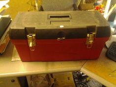 Tool box like new 15.00 aaronstreeservicellc.com 937 559 0378