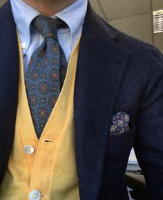 Yelow is  #drakeslondon #drakes #Elegance #Fashion #Menfashion #Menstyle #Luxury #Dapper #Class #Sartorial #Style #Lookcool #Trendy #Bespoke #Dandy #Classy #Awesome #Amazing #Tailoring #Stylishmen #Gentlemanstyle #Gent #Outfit #TimelessElegance #Charming