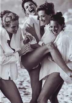 aaron-symons:  Rachel Williams, Linda Evangelista, Tatjana Patitz and Christy Turlington photographed by Peter Lindbergh in Santa Monica