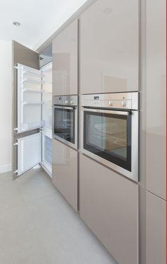 Ascot bespoke kitchens based in Derby manufacturing… Luxury Kitchen Design, Kitchen Room Design, Kitchen Cabinet Design, Luxury Kitchens, Bespoke Kitchens, Interior Design Kitchen, Kitchen Decor, Kitchen Furniture, Traditional Modern Kitchens