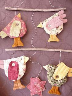 such a cute little bird mobile Bird Crafts, Easter Crafts, Diy And Crafts, Arts And Crafts, Fabric Crafts, Sewing Crafts, Sewing Projects, Craft Projects, Bird Mobile