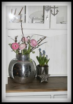 Happy Easter! I love my new RM vase!