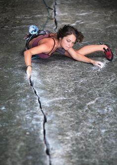 www.boulderingonline.pl Rock climbing and bouldering pictures and news Climber Nicky Dyal.