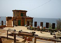 Atelier d'artiste Île de Gorée - Blog Voyage Trace Ta Route www.trace-ta-route.com  http://www.trace-ta-route.com/senegal-escapade-dakar/  #tracetaroute #senegal #goree #artiste