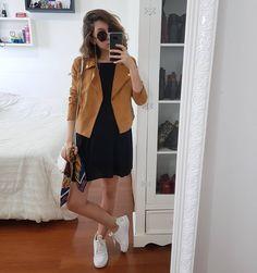 """635 curtidas, 9 comentários - Yasmim Fassbinder (@yaah_) no Instagram: """"Eu amo essa jaquetinha caramelo, mas tenho taaanta dificuldade pra usar ela! Tanto é que essa é a…"""""""