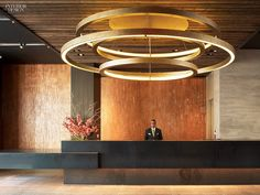 hotel reception Zen and the Art of Urban Existence: Abington House Interiors by Clodagh Interior Design Magazine, Office Interior Design, Interior Design Inspiration, Desk Inspiration, Hotel Reception, Reception Design, Reception Counter, Reception Table, Office Reception